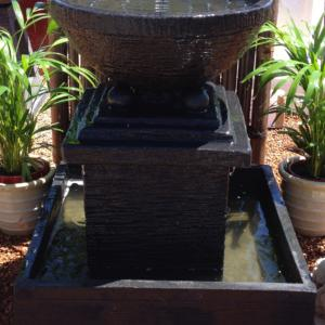 D & B Water Feature Black FIA057