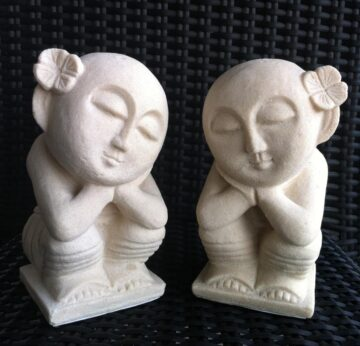 Small Balinese Statue Creme FJR100