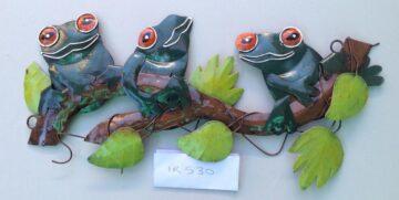 IR530 Three Tree Frogs